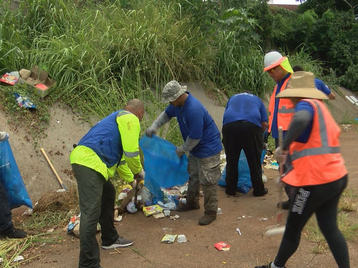 Waipahu Canal cleared of graffiti, invasive plants thanks to volunteer group