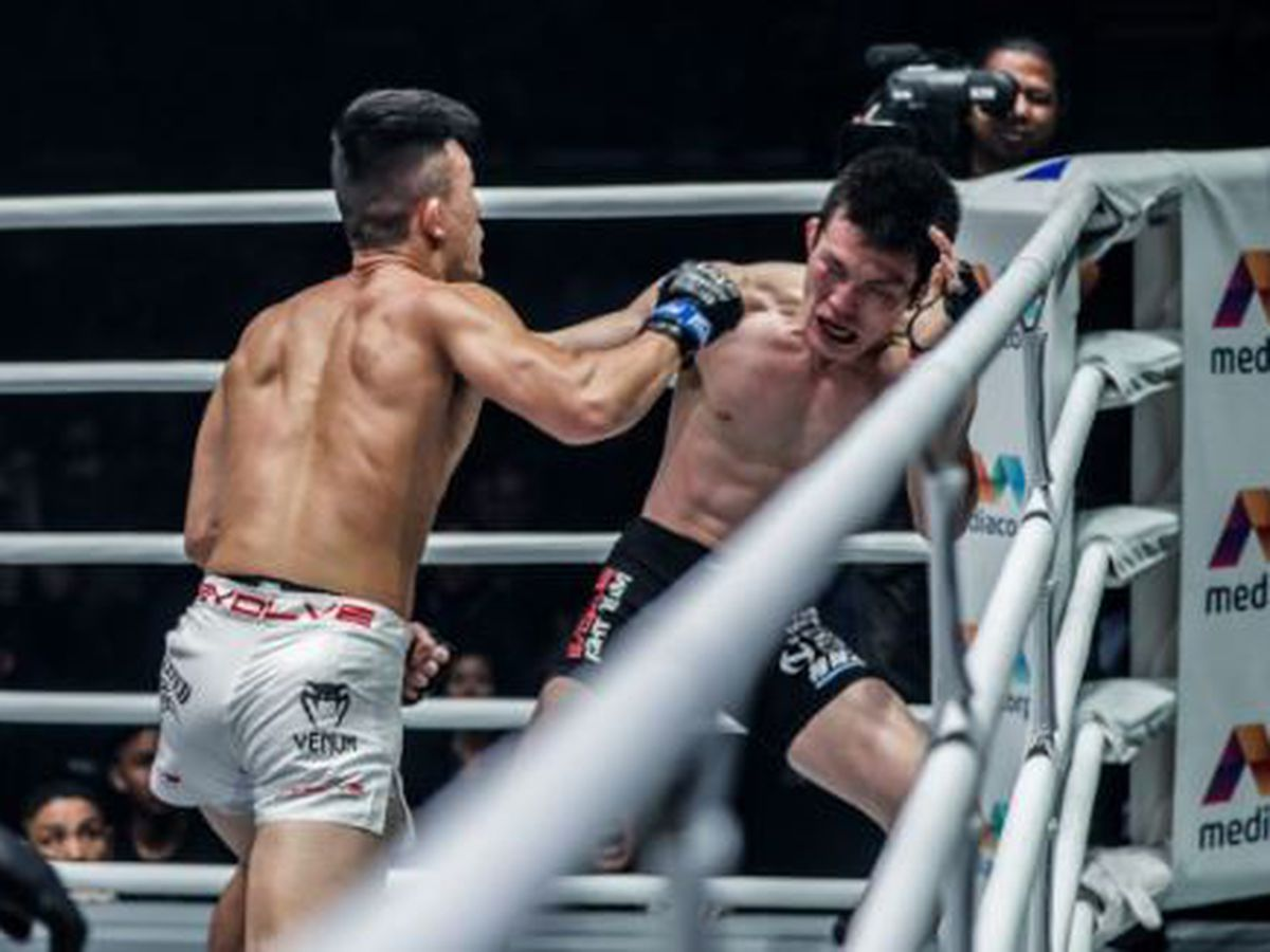 Lee scores upset victory to become ONE Championship lightweight champion