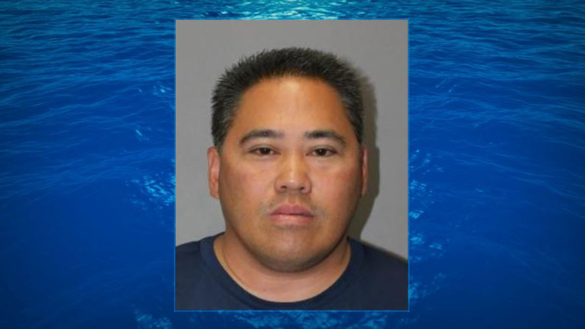 Honolulu police officer with troubled past charged with abuse of a household member