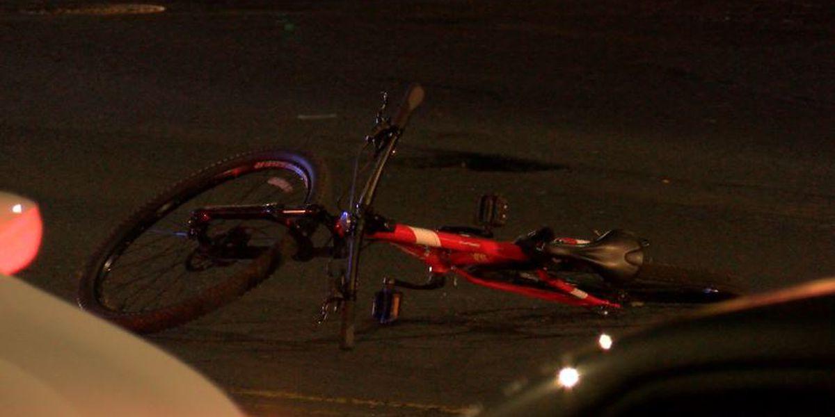Bicyclist critically injured in Kakaako crash