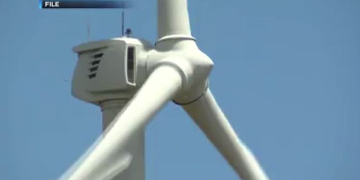 Higher wind power costs raise Maui consumers' electric bills