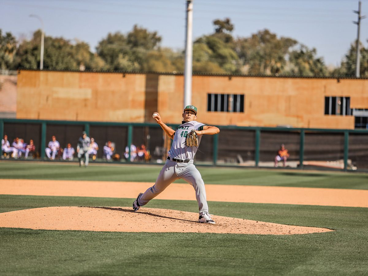 UH baseball loses doubleheader to ASU, drops season-opening series