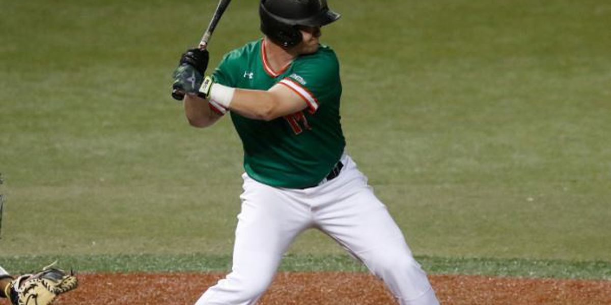 Scott's clutch play gives 'Bows 4th-straight win