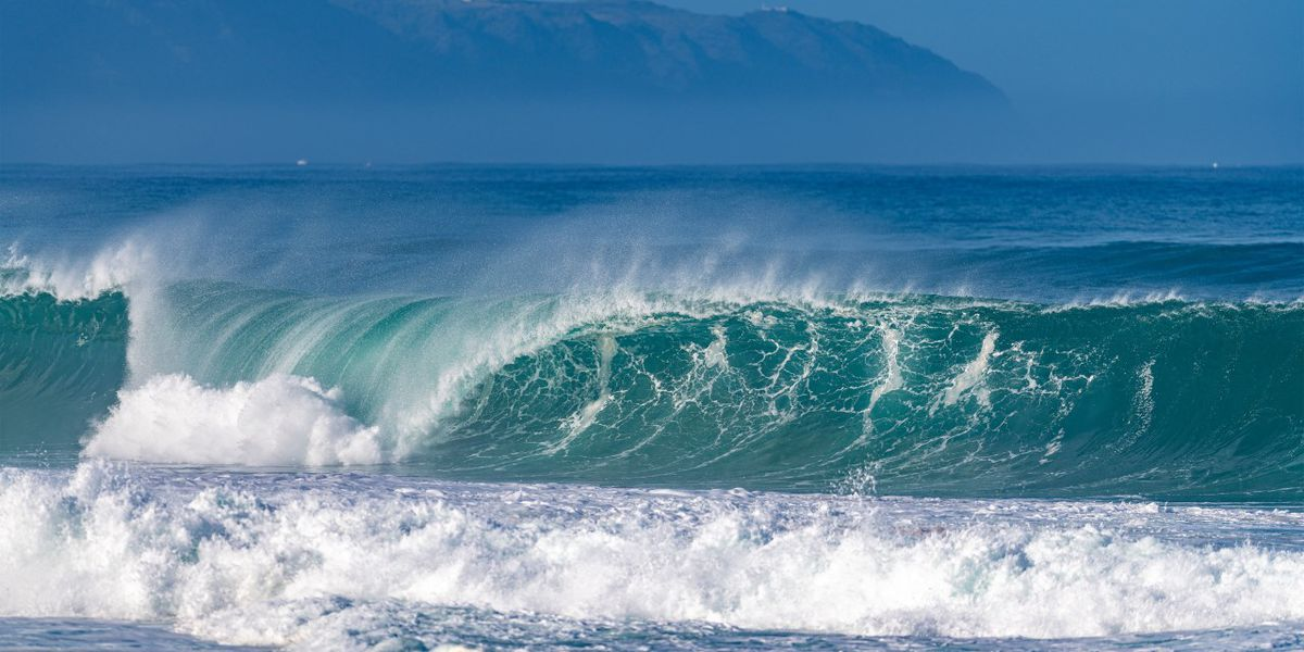 Warning-level surf expected into Monday