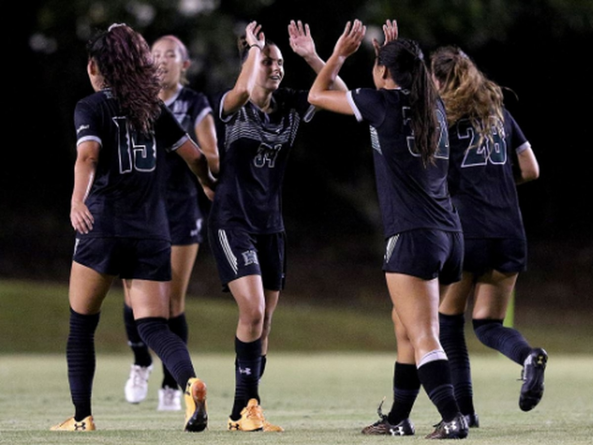 Wahine soccer hits the road for pivotal conference match-ups