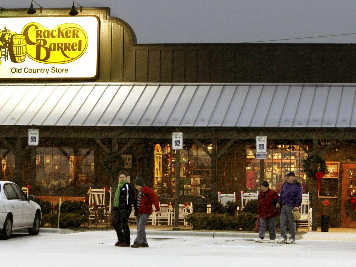 Cracker Barrel adds beer, mimosas to more locations
