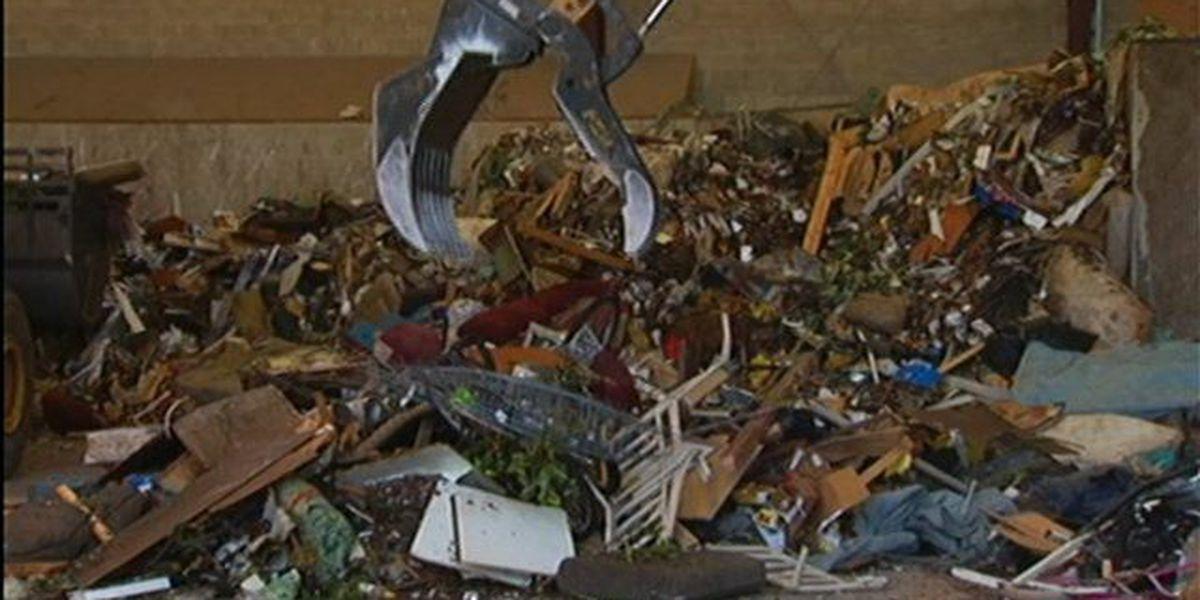 Trash shipping firm answers mayor's ultimatum