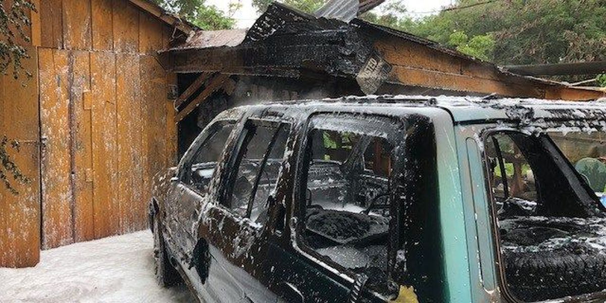 Kauai firefighters douse vehicle, carport blaze