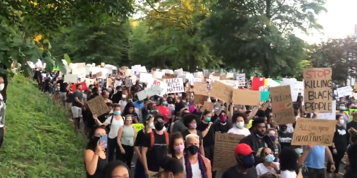 Ige 'disappointed' in Trump's response to protests, riots in wake of Minnesota killing