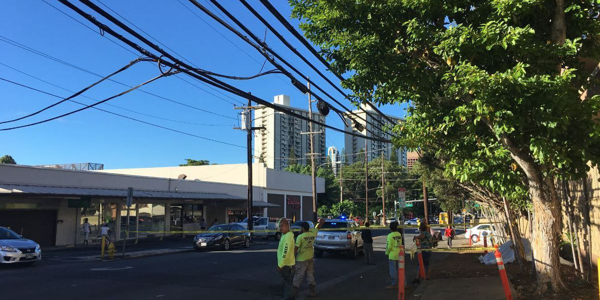 All lanes of Nuuanu Ave. reopened after downed power lines removed