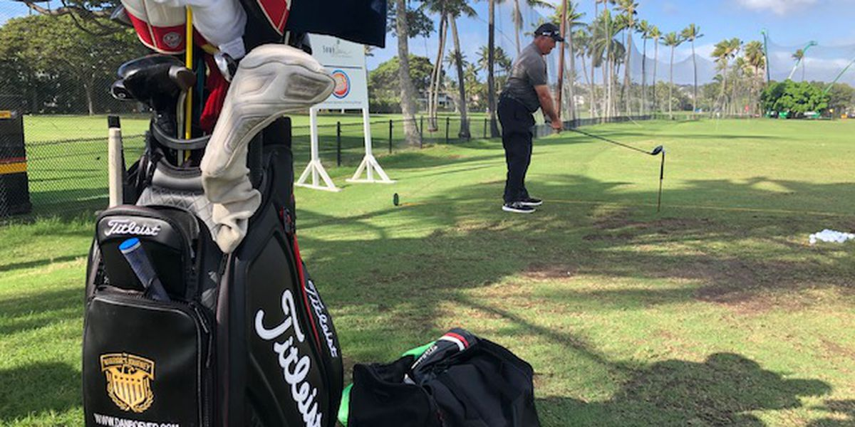 He found his calling ... and it was as a 'golf entertainer.' (Yep, that job exists)