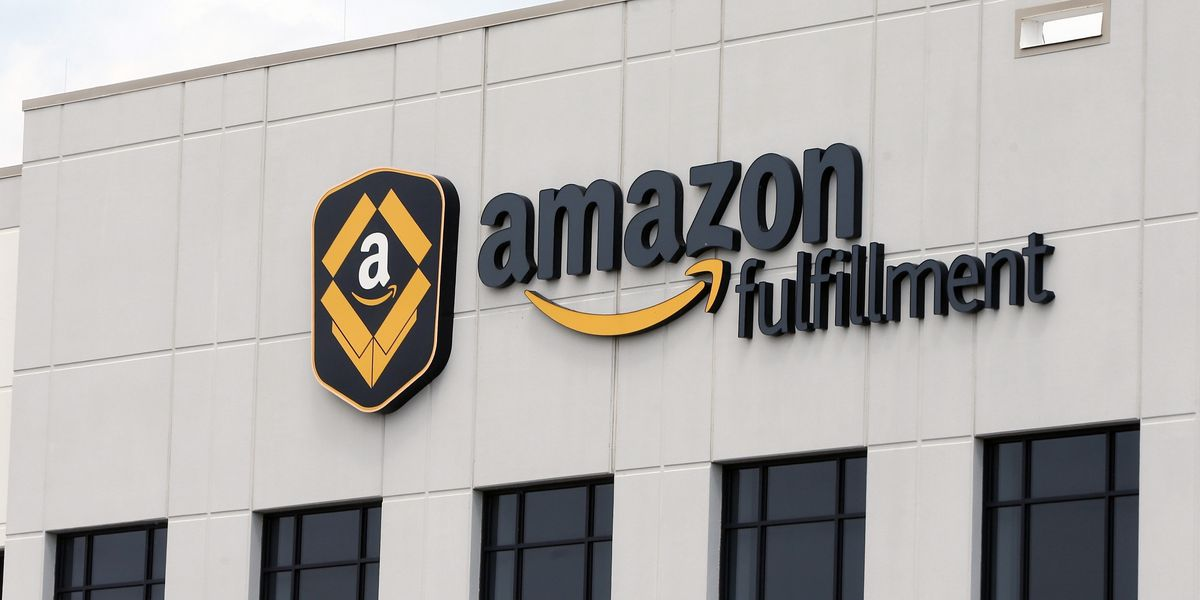 Amazon announces 30000 job openings paying $15 or more in the US