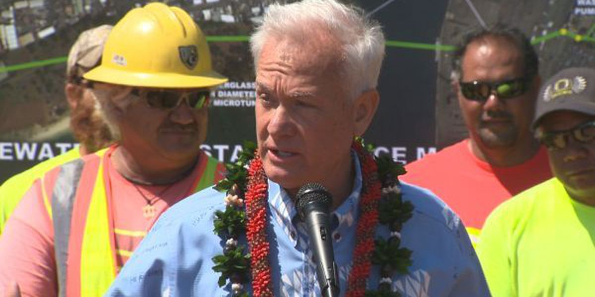 Mayor opposes full raises for some city workers, including one for himself
