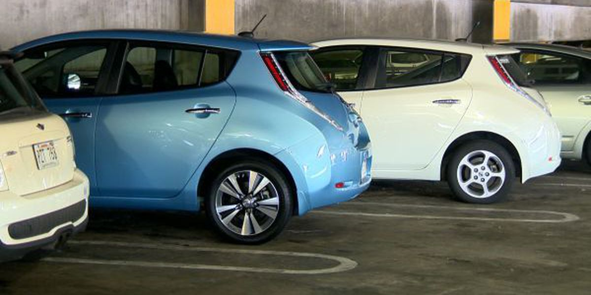 Bill proposes fee increase for electric, hybrid cars