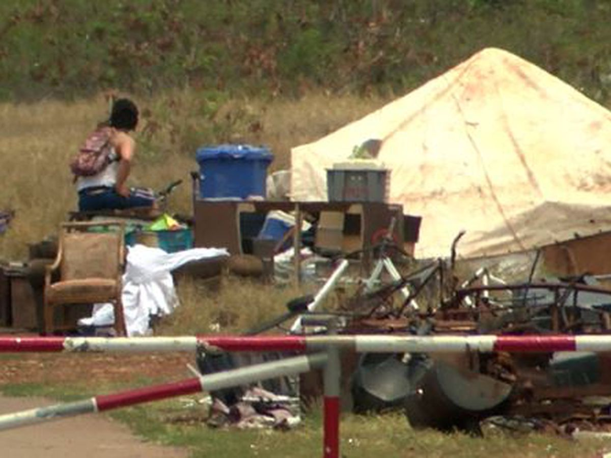 Nanakuli residents at wits' end over volatile homeless camp on federal property