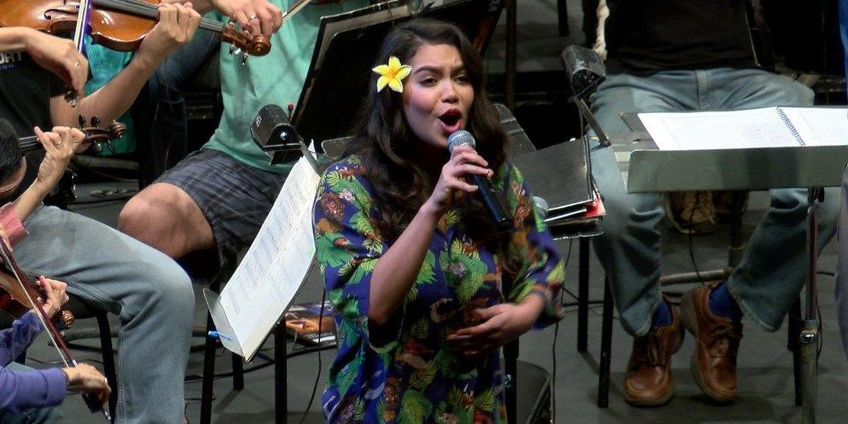 Before heading to the Oscars, 'Moana' star performs for a home crowd