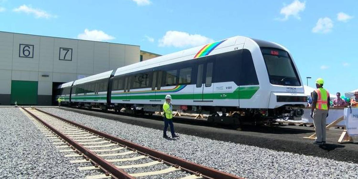 Bill to extend rail tax surcharge would boost infrastructure spending