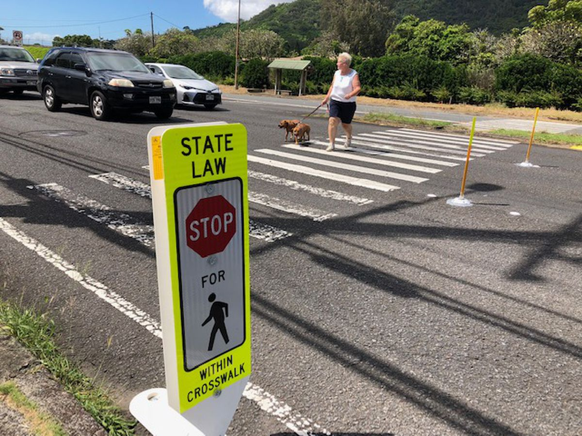 State adds 'gateway' crosswalk system to protect pedestrians on Pali Highway