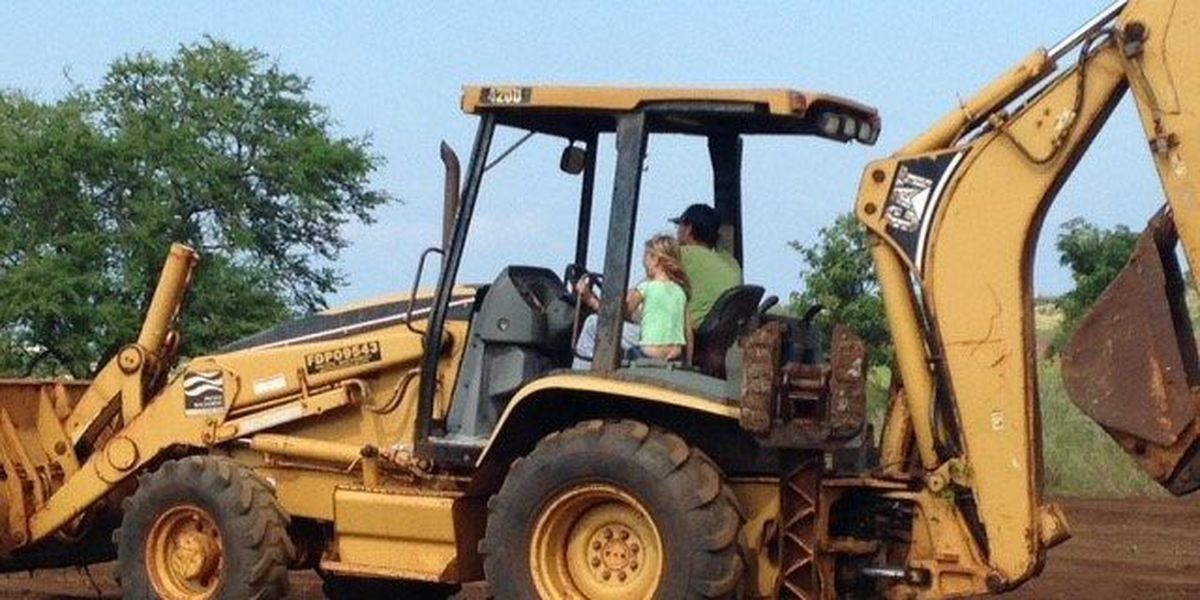 Thief makes off with Maui couple's backhoe