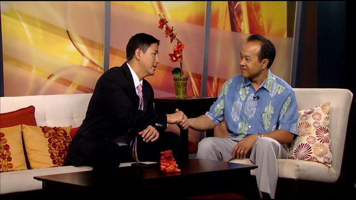 Scott Seu from Hawaiian Electric informs Steve Uyehara on