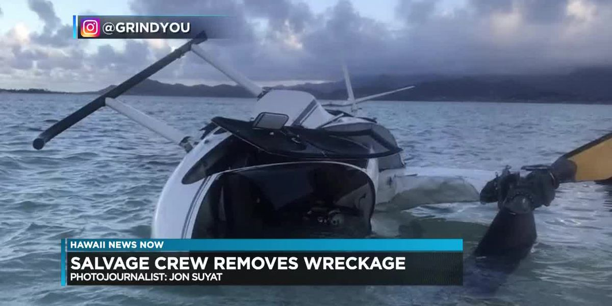 Salvage crew removes helicopter wreckage from Kaneohe Bay