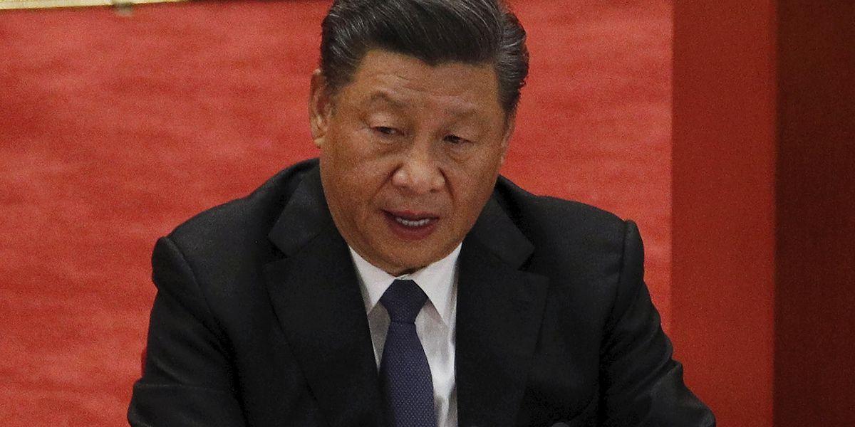 Xi asks Starbucks' Schultz to help repair US-China ties