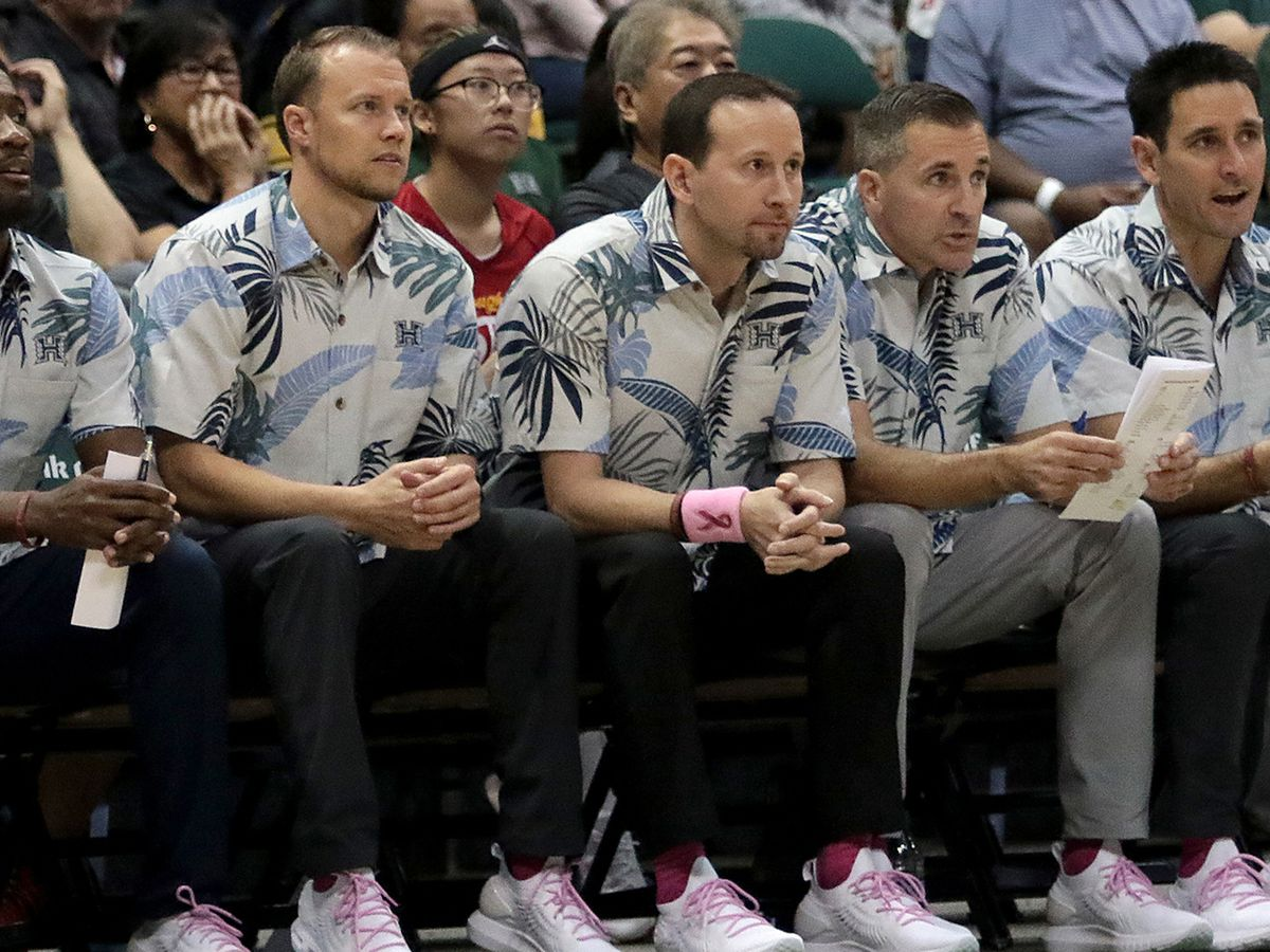 UH basketball coaches to wear sneakers this week to support Coaches vs. Cancer