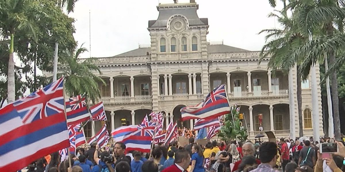 Hundreds mark 126 years since overthrow of Hawaiian kingdom