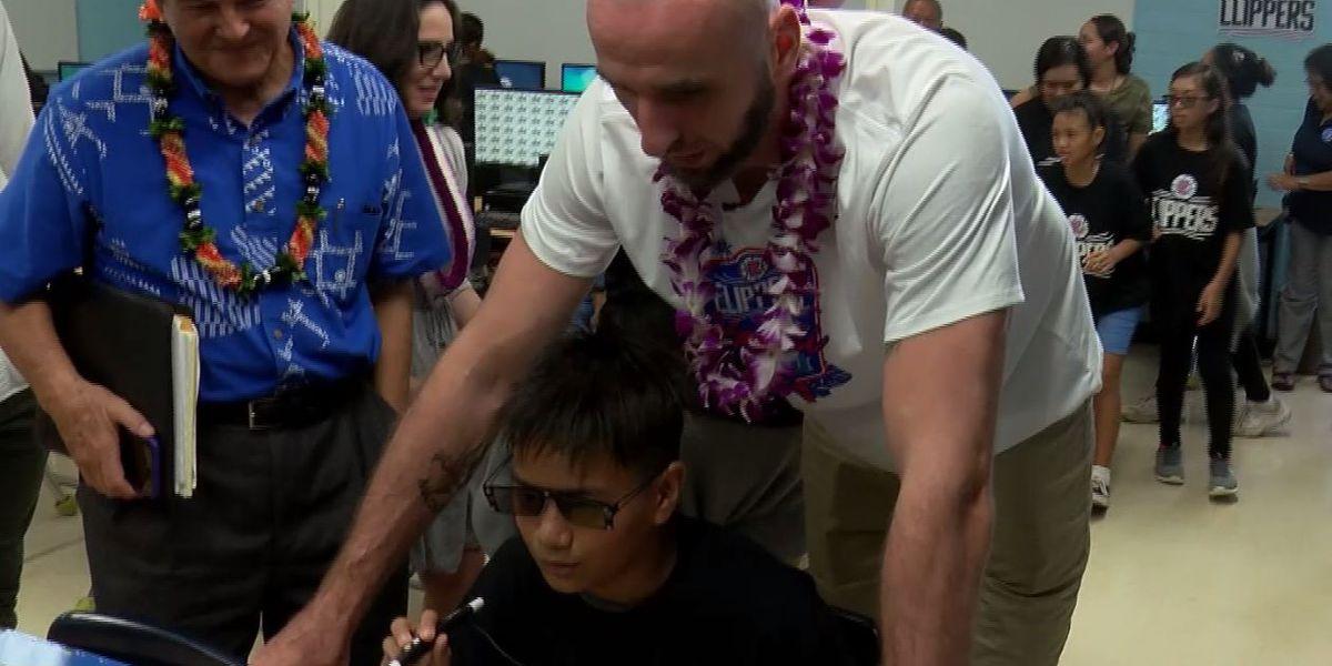Clippers share aloha with Hawaii's keiki