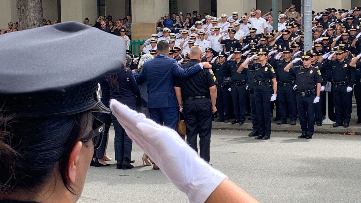 PHOTOS: Honolulu pauses for an emotional final salute for fallen HPD officer