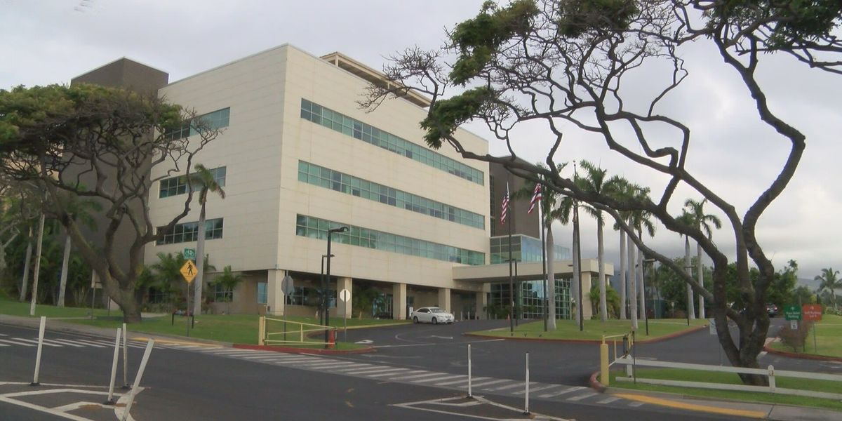 Head of Maui hospitals stepping down before privatization
