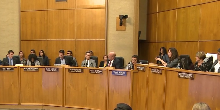 San Diego City Council passes law placing restrictions on sleeping, living in vehicles