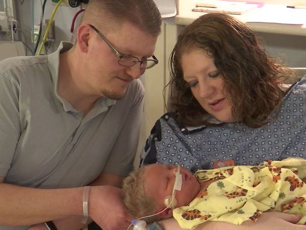 Mother gives birth to 15-pound 'miracle' baby, breaks hospital record