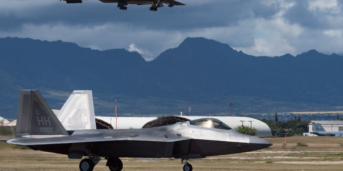 B-2 'stealth' bombers deployed to Hawaii