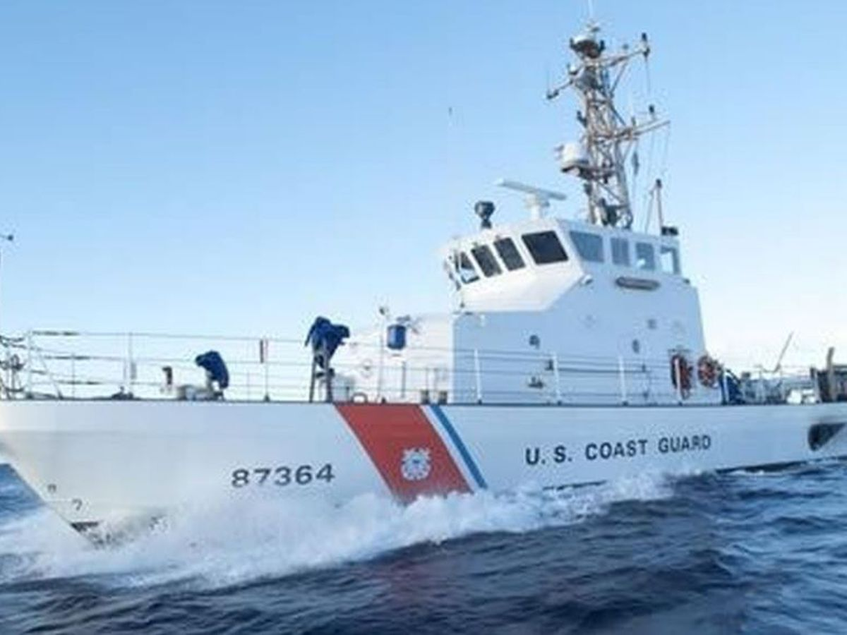 Honolulu Coast Guard assists with sinking vessel in American Samoa