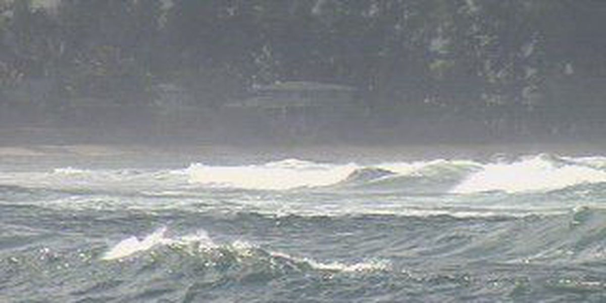 Surf declining for north and west shores, but advisory still up for east-facing beaches