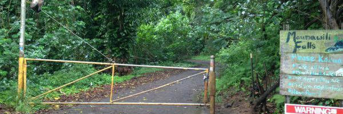 Hiker suffers serious injuries after falling 30 feet from Maunawilli Falls