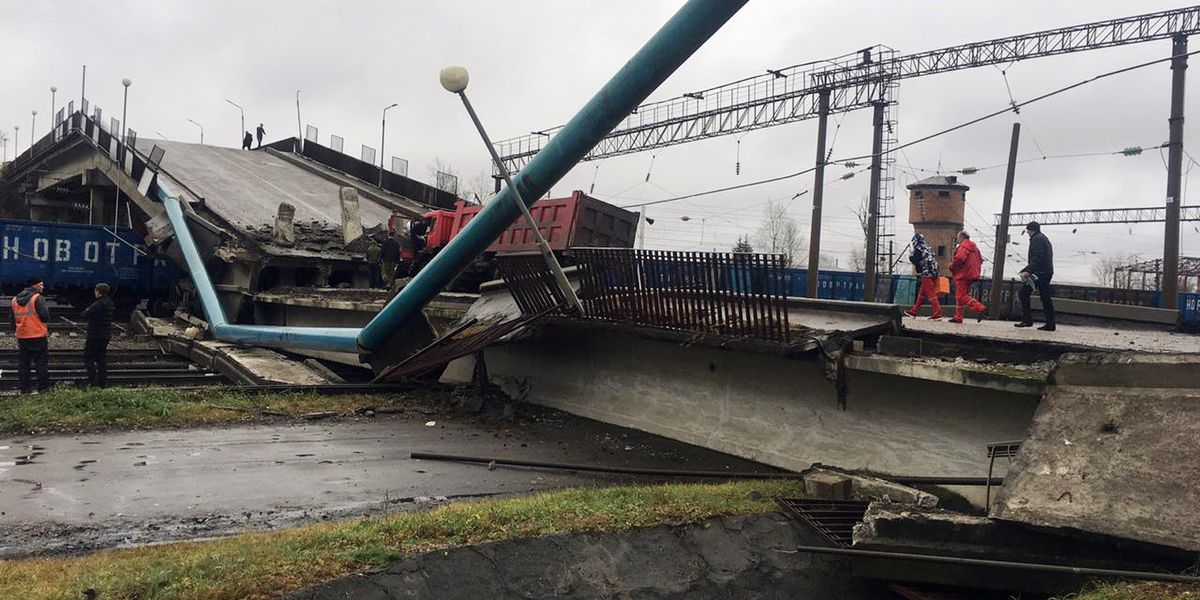 Bridge collapse halts traffic on Trans-Siberia Railway
