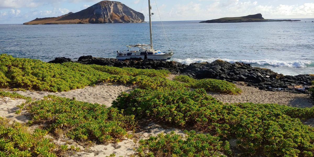Coast Guard responds to grounded sailboat near Makapuu Beach