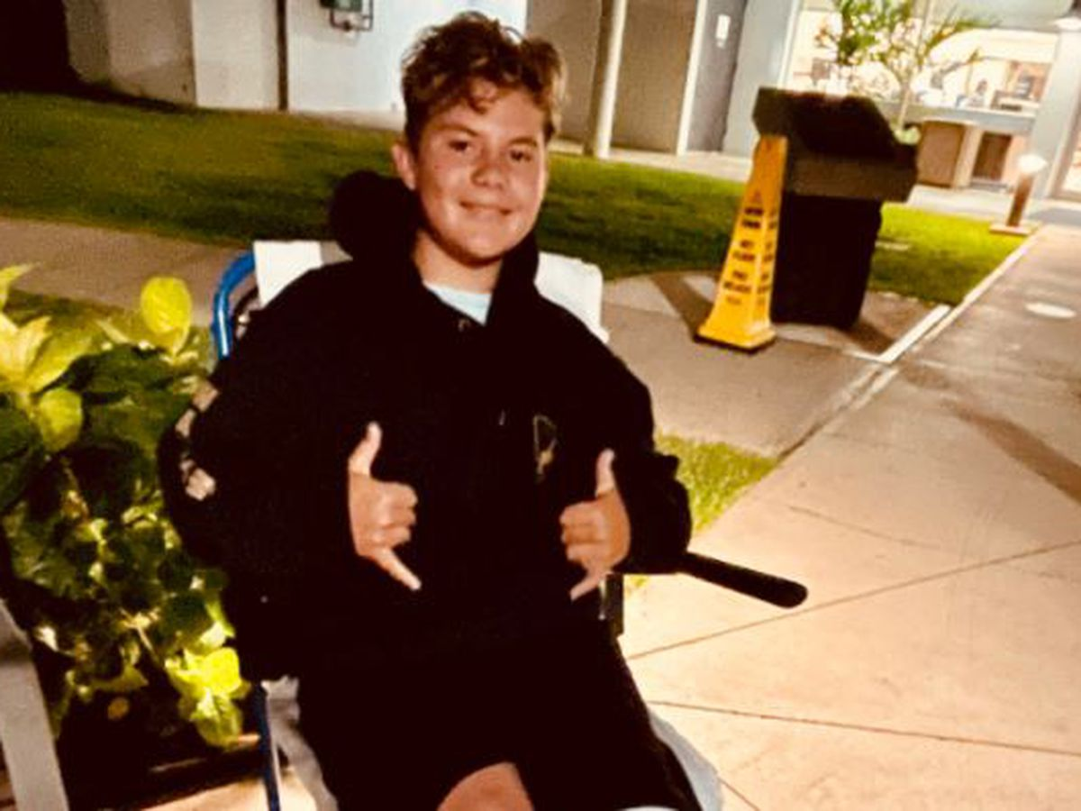 GRAPHIC: Hawaii teen recounts shark bite off Oahu that will leave him with a 'sick scar'