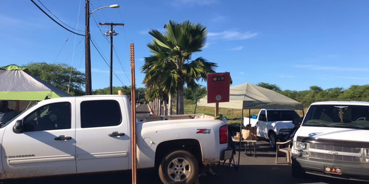Sovereignty activists block gate to Pacific Missile Range Facility in protest