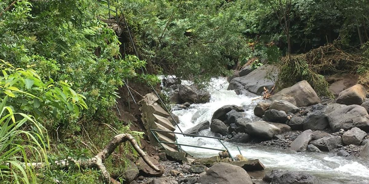 Clean-up of Iao Valley underway after destructive flooding