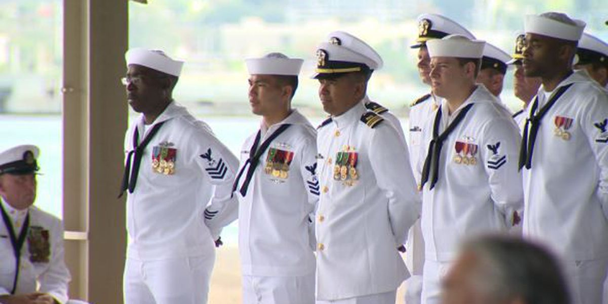 Navy Region Hawaii holds change in command