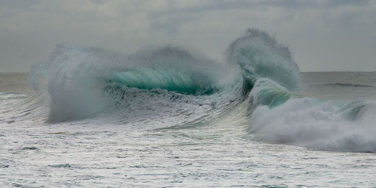 Advisory level surf to peak for north, west shores
