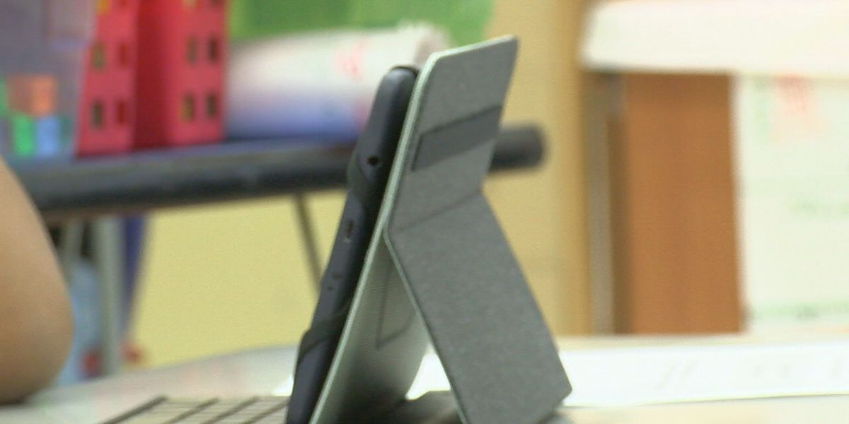 As public schools move fully online, DOE says some students don't have needed equipment