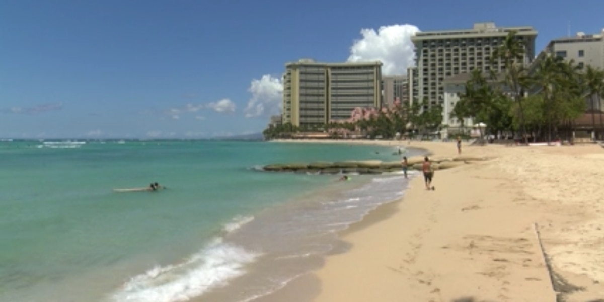 Order closing state beaches prompts confusion, even for Neighbor Island mayors