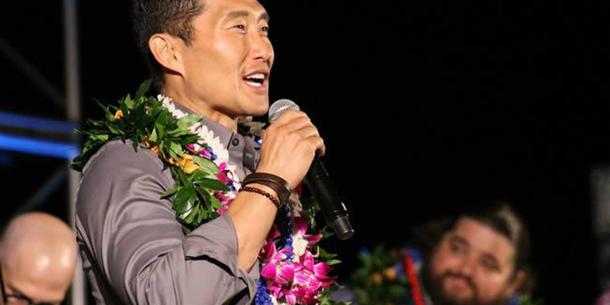 'Hawaii Five-0' loses 2 of its biggest stars; contract dispute cited