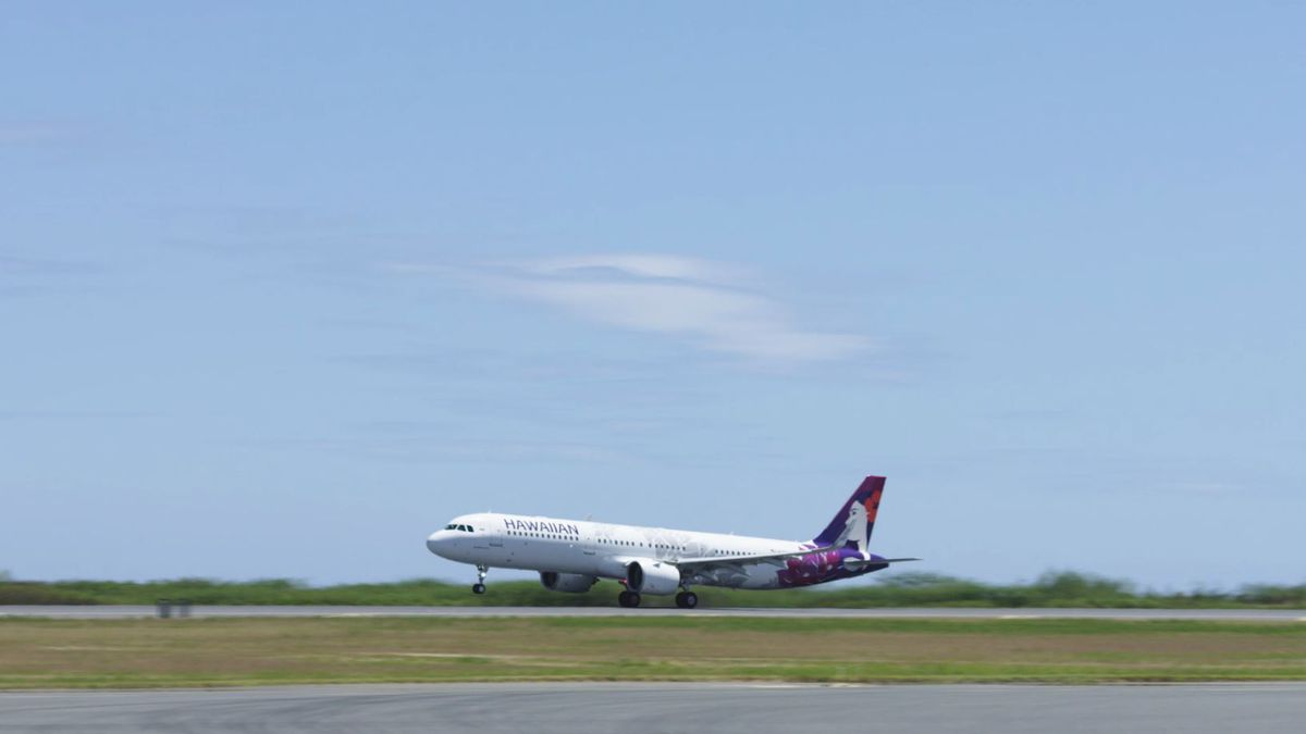 Hawaiian Air scales back service, offers free interisland flights to health care workers