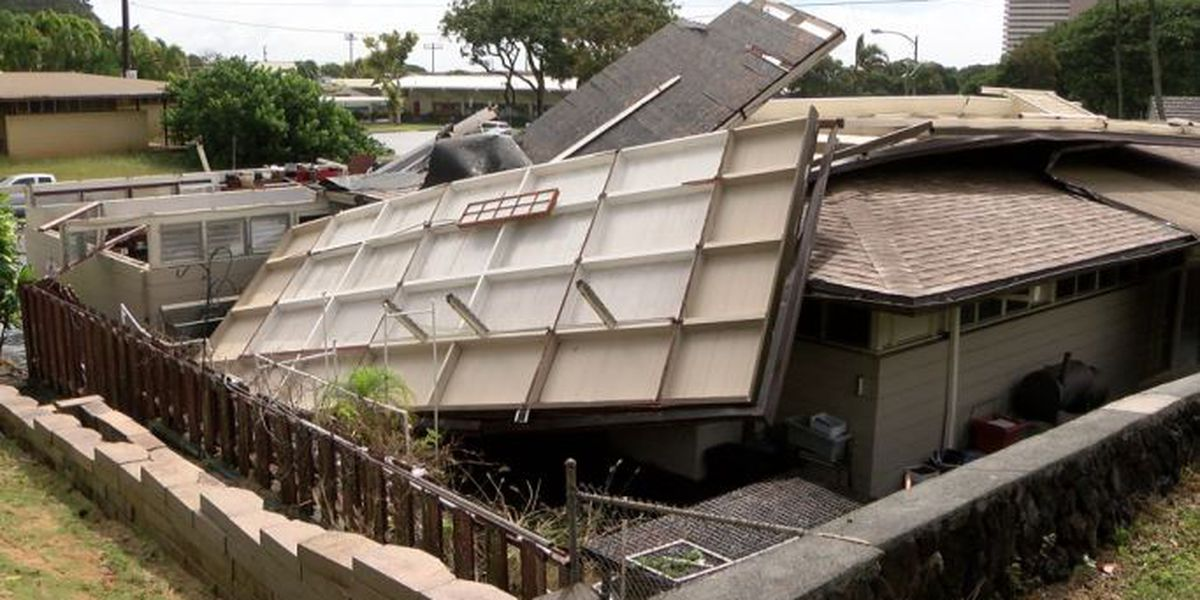 Elderly man seriously injured after strong winds blow off Kahala home's roof