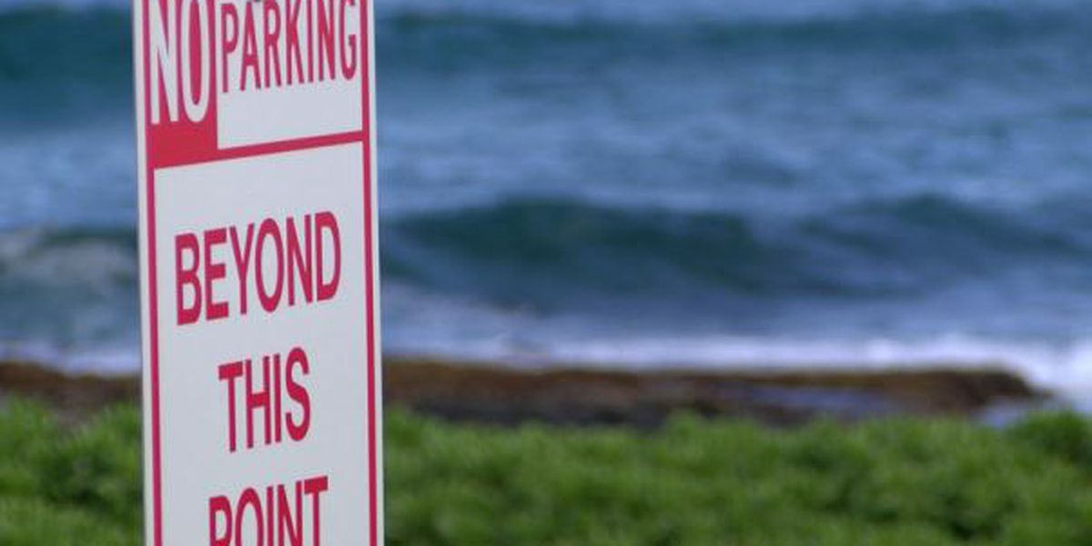Beachgoers protest new 'No Parking' signs at popular East Oahu surf spot